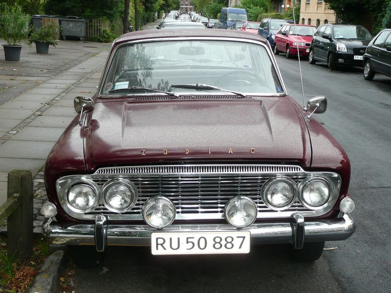 Vauxhall Victor, Ford Zodiac, Citroën DS