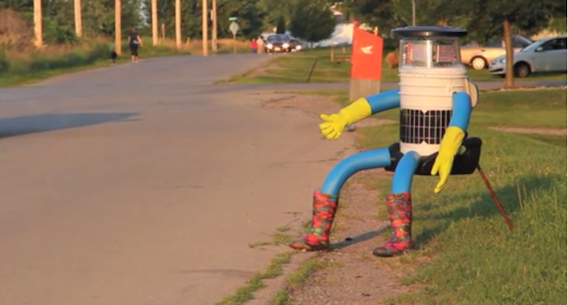 Adorable Robot Made of Junk Hitchhikes Around Canada