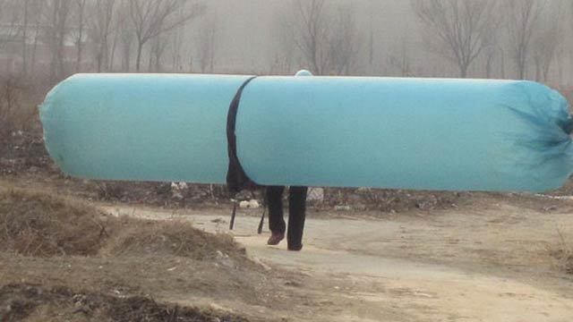 Chinese Villages Use Giant Balloons to Steal Natural Gas