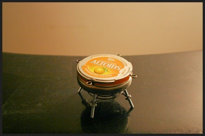 This Altoids Tin BBQ Grill Can Still Cook Dogs and Burgers