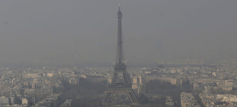 Paris's Smog Has Gotten So Bad, It's Making Public Transportation Free