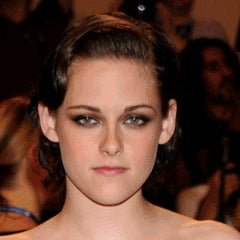 Check Out These Gifs Of Celebs Who Make the Same Face in Every Photo