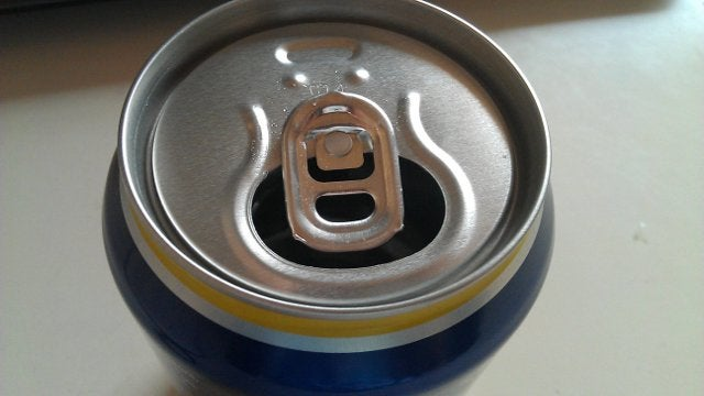 Turn Your Beverage Can Tab to Keep Wasps Out