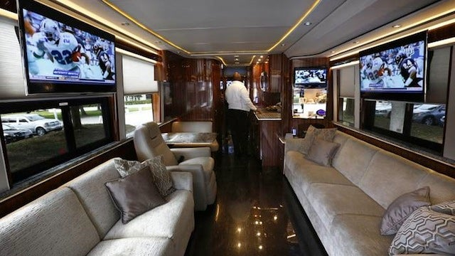 "Meet The Cowboys' New $2 Million Luxury Bus, Named ""The Elegant Lady"""