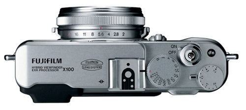 Retro Fujifilm FinePix X100 Camera Will Give Leica's X1 a Run For Its Money