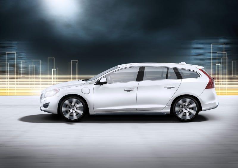 Volvo V60 Plug-in Diesel Hybrid: First Photos
