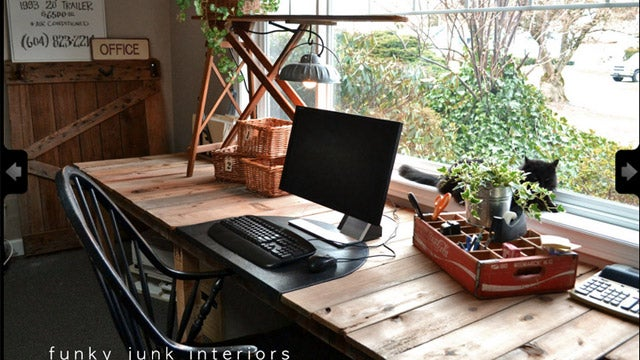 How to Choose (or Build) the Perfect Desk for You