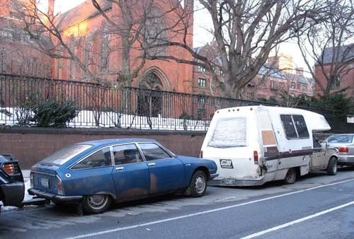 Citroën GS, Rusty But Unbowed, Survives On New York's Mean Streets