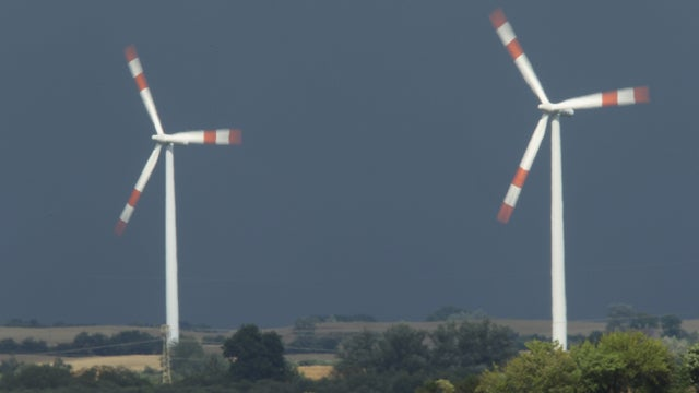 Wind Energy Apocalypse on the Horizon, Says One Person