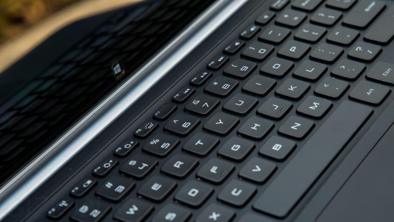 Dell XPS 12 Review: Beautiful Screen, Flimsy Frame