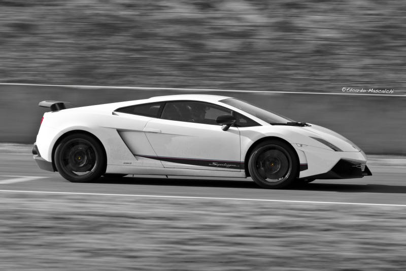 Your ridiculously cool Lamborghini Gallardo LP570-4 Superleggera wallpaper is here