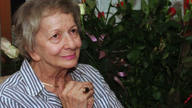 Nobel Prize-Winning Polish Poet Wislawa Szymborska Dead at 88