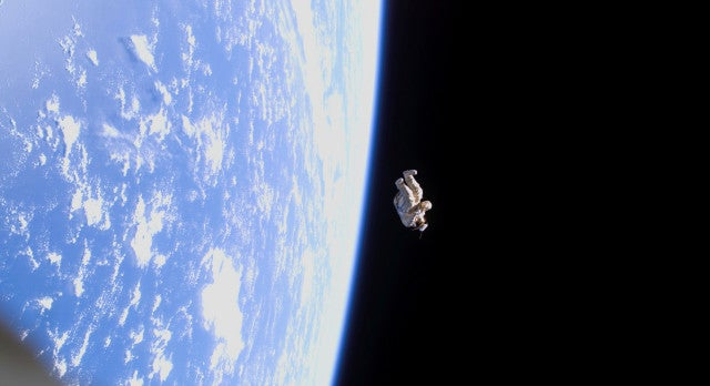 Astronaut suit spins out of control in macabre real life Gravity scene