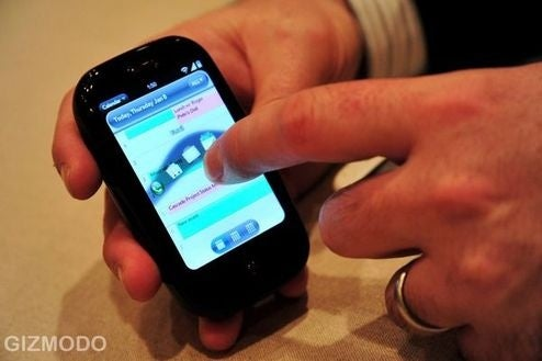 Palm Chats with Facebookers, Explains Pre's Lack of MicroSD
