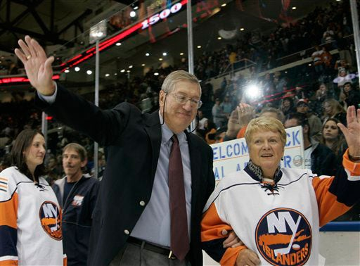Al Arbour Promptly Removes Penguins From His Lawn