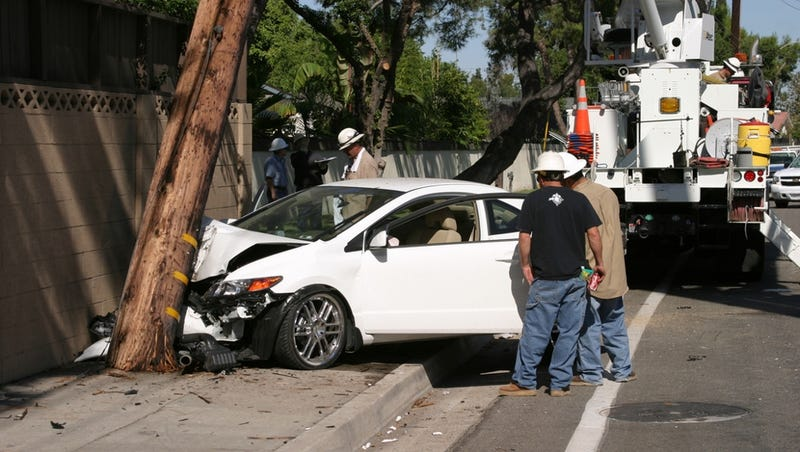 Drunk Driver Who Hit Pole And Injured Passenger Can Sue Power Company