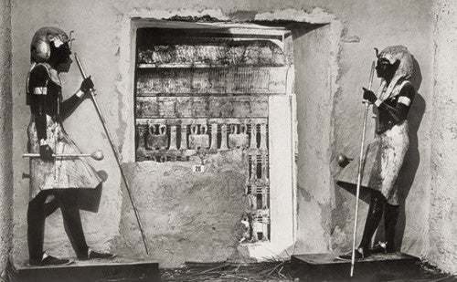 What was it like to enter King Tut's tomb when it was opened in 1923?