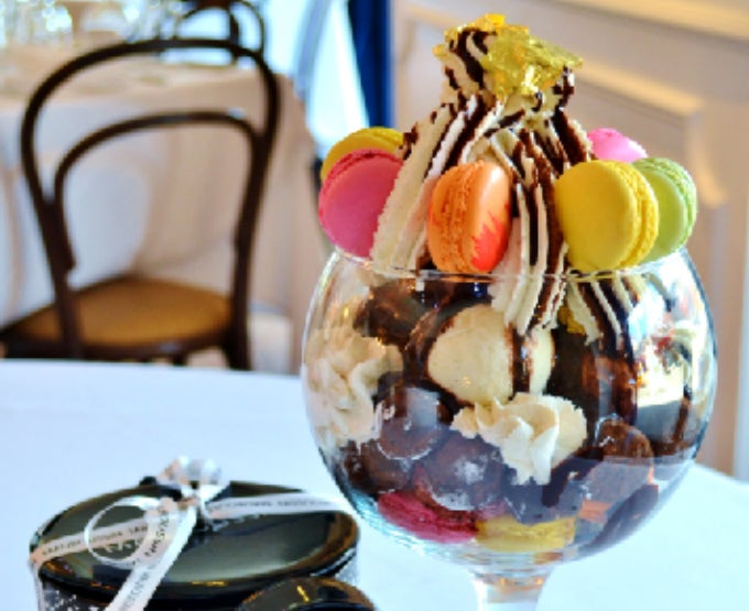 A NY Restaurant is Selling a $1000 Ice Cream Sundae With Jewelry