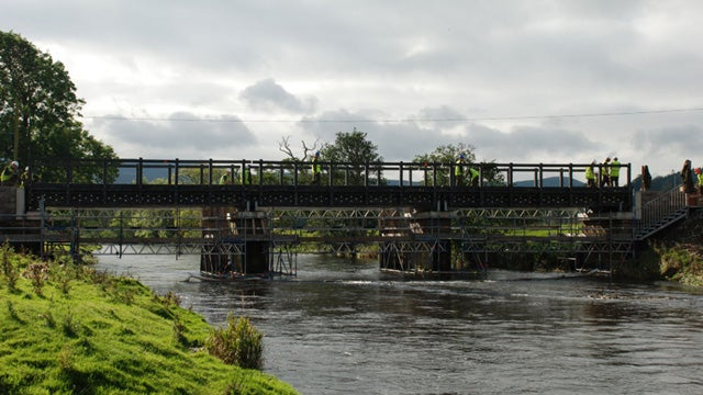 50 Tons of Plastic Recycled Into Scottish Foot Bridge