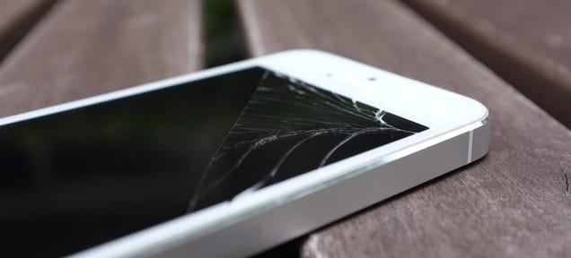 Apple Patents Method to Make iPhones Fall Like a Cat