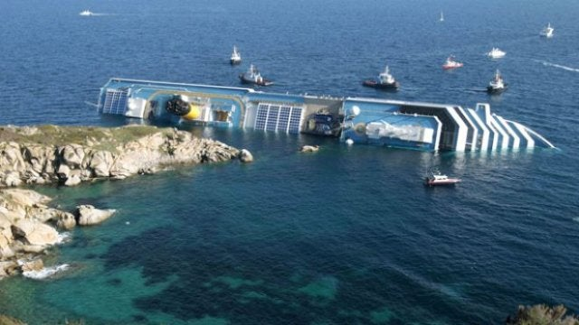Owners of Capsized Italian Cruise Ship Want to Save It With Something They Saw on MythBusters