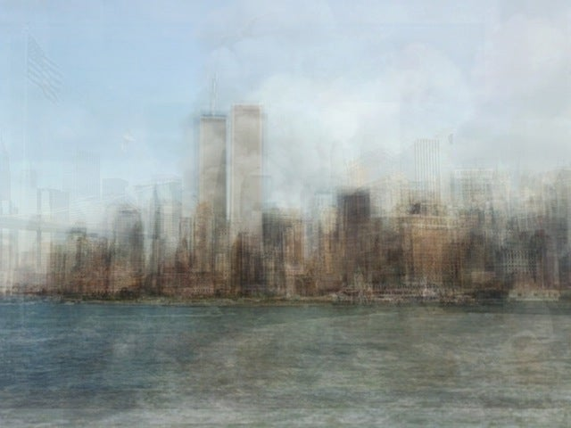 What Happens if You Combine a Hundred Tourist Photos?