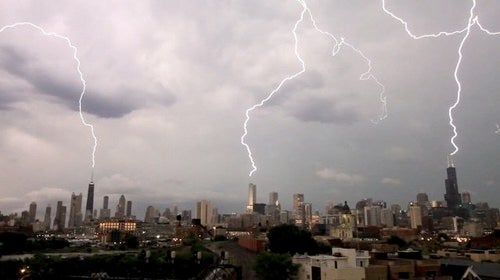 Lightning strikes three Chicago skyscrapers in one blow