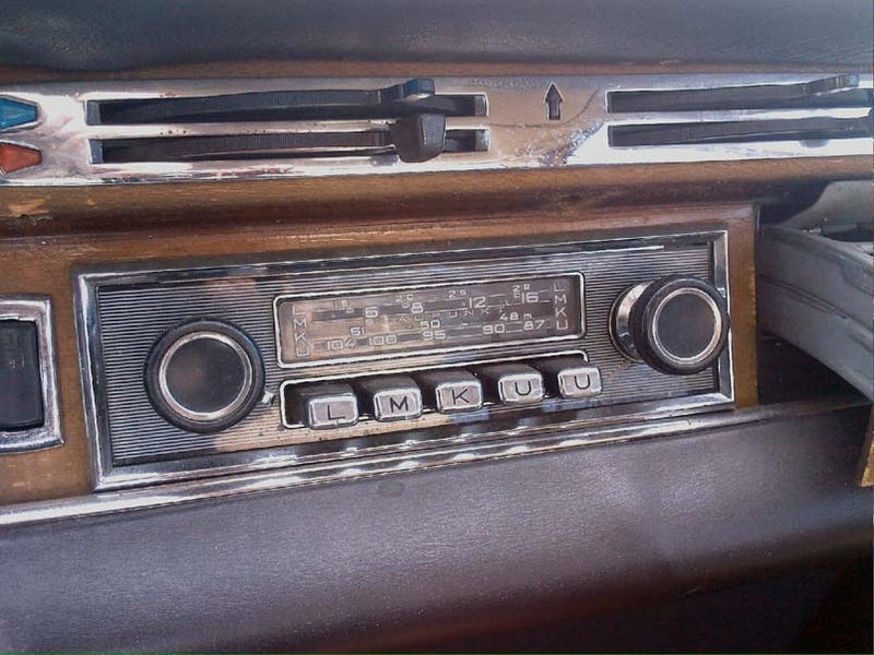 Intact 1968 Blaupunkt Köln 4-Band Radio, Just There For The Pickin'