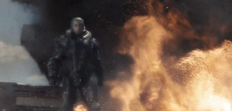 Intense screencaps from Man of Steel trailer show the Fall of Krypton