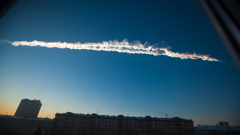 Jaw-Dropping Meteor Fireball Explodes Over Russia, Injuring 950 the Day Before Asteroid Fly-By