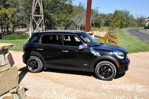 Mini Cooper Countryman Gets Base Price Of $22,350