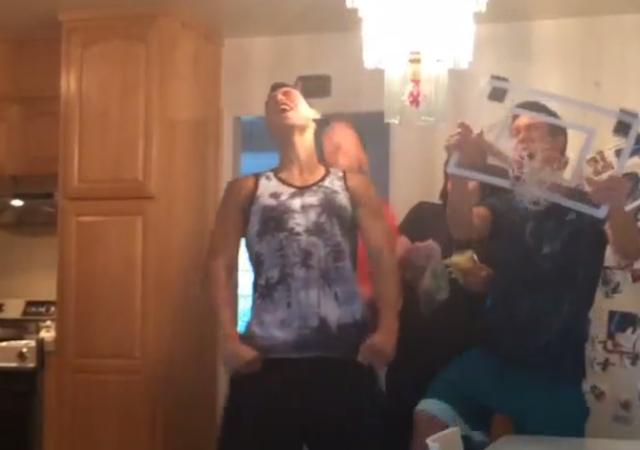 Jeremy Lin Expertly Dunk Cams His Mom
