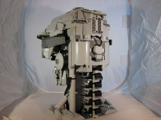 Build Me If You Want to Live, Lego Terminator Skull Gives Us the Evil Eye