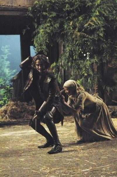 "Once Upon a Time 1x04, ""The Price of Gold"" Pictures"