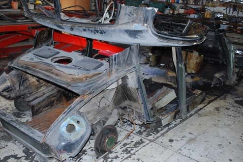 So That Nice Citroens Might Live, Hanzel Auto Body Hacks Up This Rusty DS