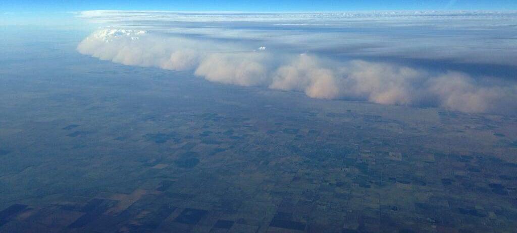Impressive aerial photo of a massive dust storm devouring Texas