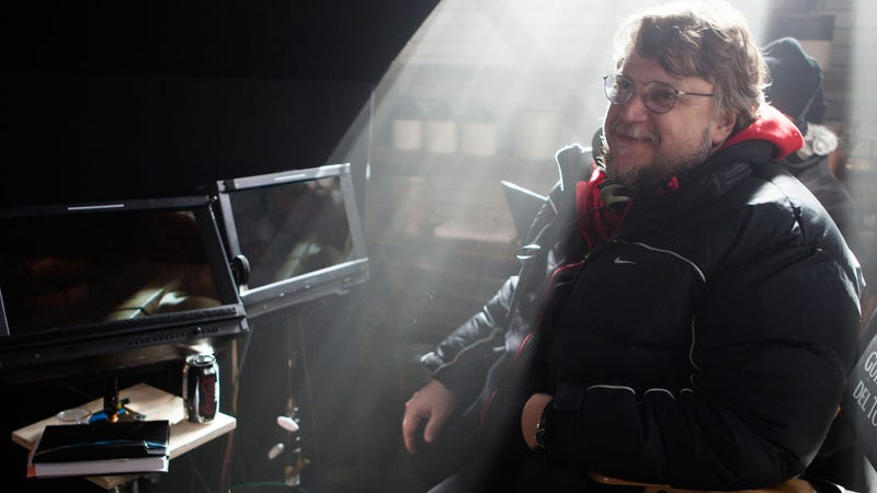 Why Del Toro Told The Crimson Peak Cast To Keep Secrets From Each Other
