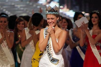 18-Year-Old American Crowned Queen Of The World