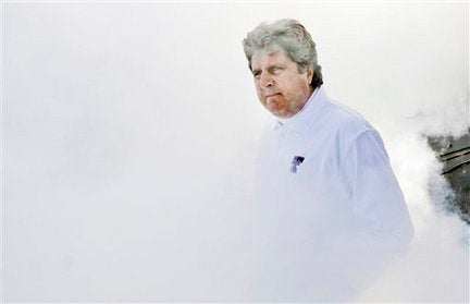 Mike Leach Saga Slowly Morphing Into An Outtake From Rio Bravo