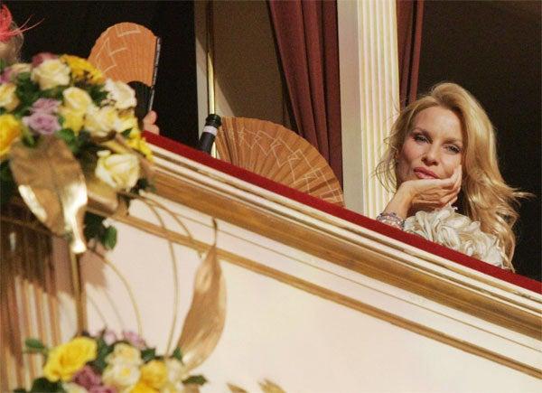 Nicolette Sheridan: The Fan-Tom Of The Opera