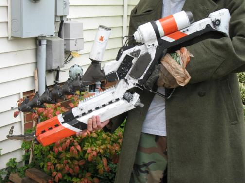 DIY District 9 Arc Gun Looks Badass Until You Consider What It Represents