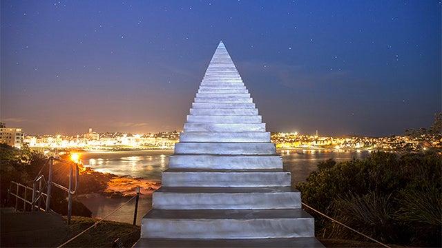 Amazing stairway in Australia seems to go to heaven
