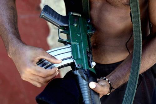 Rio's Drug Gangs Surrounded During Weeklong Gunbattle