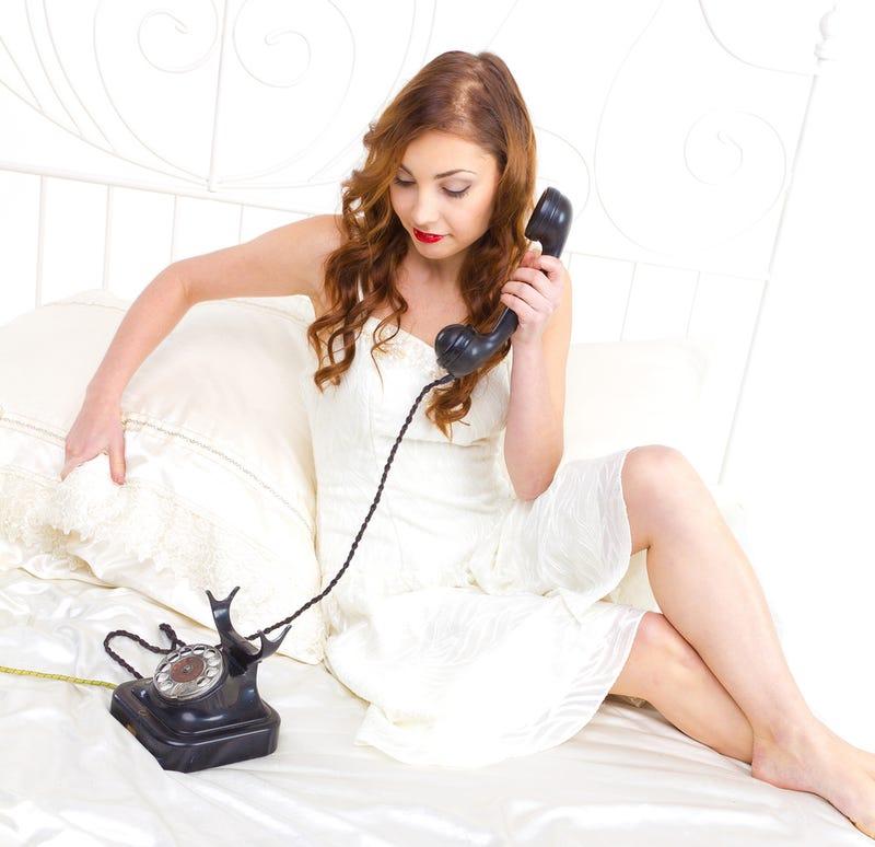 Woman Calls 911 to Scare Boyfriend into Proposing
