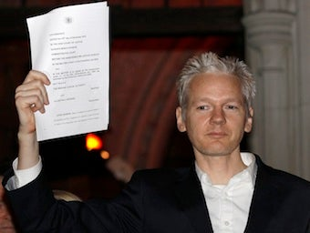Julian Assange Prepares for U.S. Spy Charges