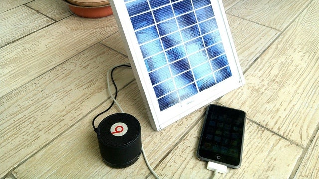 Roll Your Own Solar Gadget Charger with Spare Parts