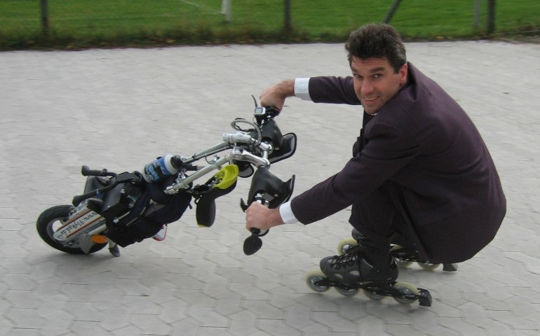 Flyrad Unicycle is Like a Motorbike Where the Wheels Are Your Skates