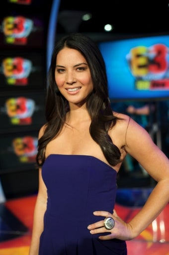Olivia Munn Not Nude, Not for a Lack of Effort