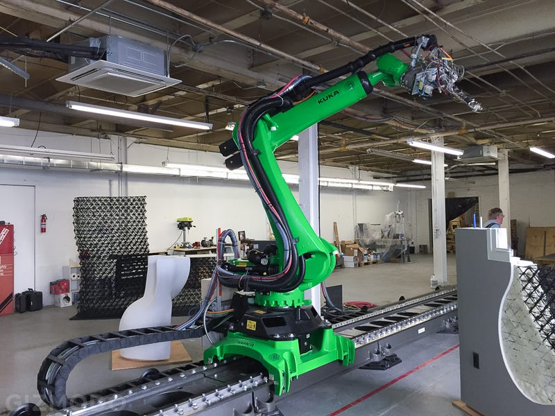 The world s biggest free form 3d printer is being used to for Build a 3d house online