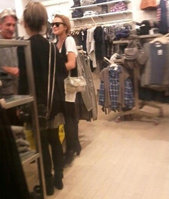 Lindsay Lohan Takes a Break from Rehab to Go Shopping